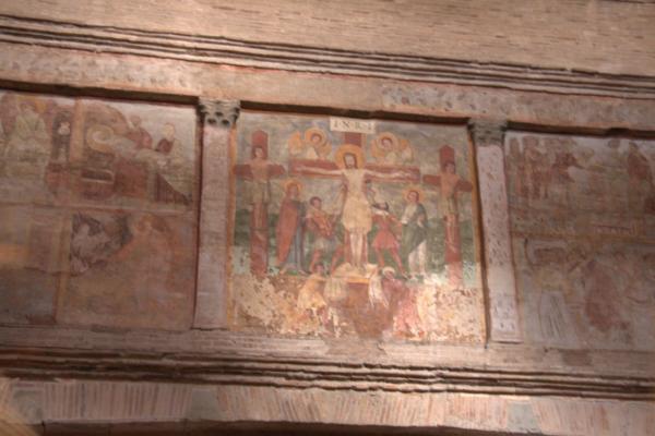 S urbano Particolare degli affreschi dell'interno